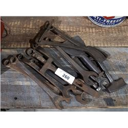 14 ANTIQUE HAND TOOLS