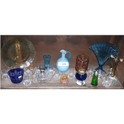 SHELF LOT COLLECTIBLE ART GLASS & DEPRESSION GLASS