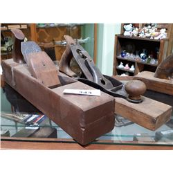 2 ANTIQUE WOOD HAND PLANES