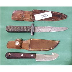 2 VINTAGE HUNTING KNIVES IN SHEATHS