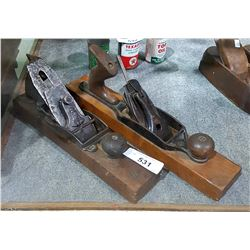 2 ANTIQUE WOOD HAND BLOCK PLANES