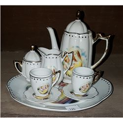 8 PC MINIATURE TEASET