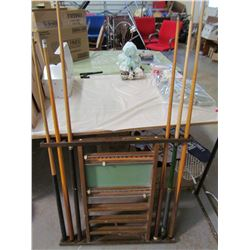 LOT OF BILLIARDS EQUIPMENT (POOL CUE RACK WITH SCOREBOARD, 5 ASSORTED POOL CUES, 1 POOL CUE REST) *S