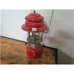 COLEMAN LAMP (220E) *NICE CONDITION*