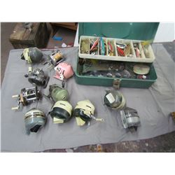 LOT OF FISHING ITEMS (TACKLE BOX, TACKLE AND ELEVEN REELS)