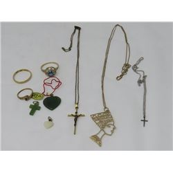 LOT OF 9 PCS (LADIES JEWELRY) *GOLD CHAINS, CROSSES, RINGS, ETC)