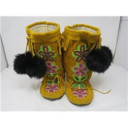 BEADED LEATHER MOCASSINS (RUBBER SOLED, CANVAS LINED) *FIT SIZE 6 OR 7*