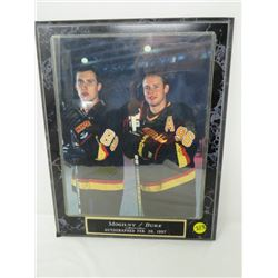 AUTOGRAPHED HOCKEY PICTURE (MOGILNY/BURE) *AUTOGRAPHED 1997-VERY FAINT*