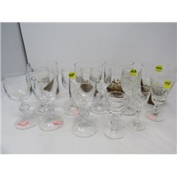 LOT OF ASSORTED GLASSES (4 TUMBLERS, 10 WINE GLASSES)