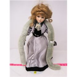 PORCELAIN DOLL (WITH STAND)