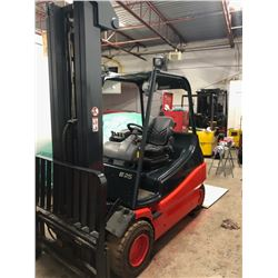 Linde E25 ForkLift (2005) 5000lbs for outside / Battery 80v not included but many choices available