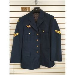 HEAVY WEIGHT AIR FORCE COAT (MEN'S LARGE) *CORPORAL INSIGNIA*