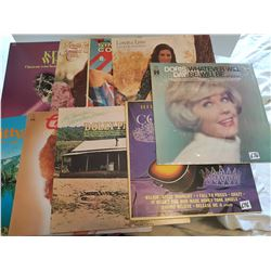 LOT OF 9 LP RECORDS (FEMALE ARTISTS, LORRETTA, DOLLY, PATSY)