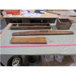 LOT OF WOOD ITEMS (2 WOODEN BOXES) *WOOD SCRAPER* (STAKES)