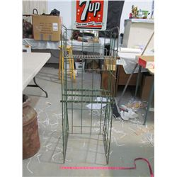 METAL 7-UP BOTTLE STAND (VINTAGE)