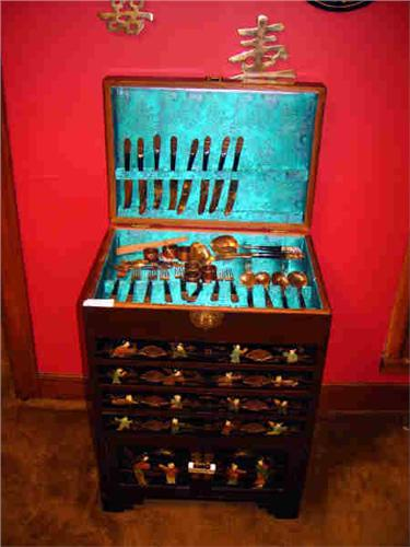 BLACK ORIENTAL FLATWARE CHEST
