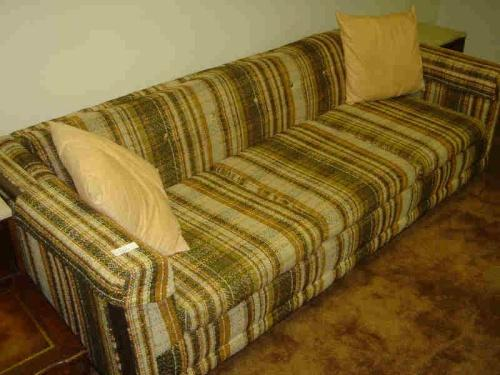 furniture of had be advice anyone plaid solid attached photo am has any success at hometalk would a looking used couch i painting with ve the color fabric this which q one purchasing