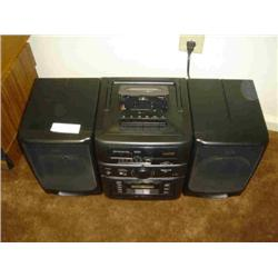 SANYO 6 DISC CD CHANGER/CASSETTE/ RADIO BOOM BOX