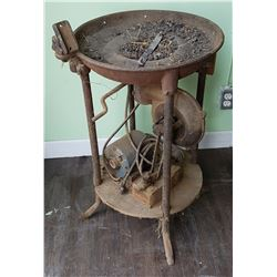 VINTAGE SMALL FORGE