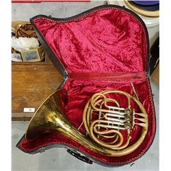 VINTAGE OXFORD FRENCH HORN IN CASE
