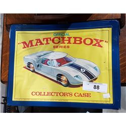 VINTAGE MATCHBOX CARRIER W/MATCHBOX CARS
