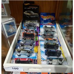15 COLLECTIBLE HOT WHEEL IN TRAY