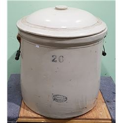 VINTAGE MEDALTA 20 GALLON CROCK WITH LID