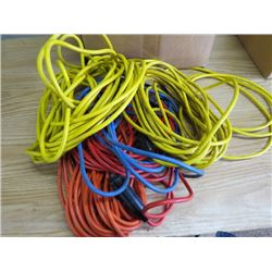 LOT OF ASSORTED EXTENSION CORDS