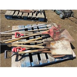 LOT OF ASSORTED SHOVELS, RAKES AND GARDEN TOOLS