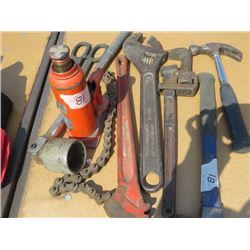 LOT OF ASSORTED TOOLS ( BOTTLE JACK, 18' WRENCH, CRESCENT WRENCHES, PIPE WRENCH, HAMMER, ETC…)