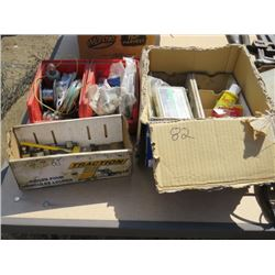 LOT OF ELECTRICAL ITEMS ( BULBS, LENSES, ETC…)