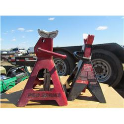 LOT OF 4 JACK STANDS (2 TON)