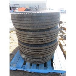 LOT OF 4 TIRES ( 225/70R/22.5) *4000 KLMS ON TIRES*
