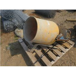 CEMENT MIXER WITH FIBERGLASS TUB
