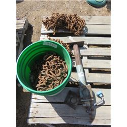 LOT INCLUDING TRACTOR CHAINS AND TRAILER JACK