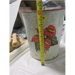 TIN GARBAGE CAN WITH FLOWERS (VINTAGE)