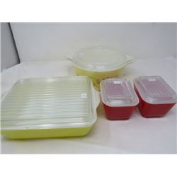 LOT OF 4 PYREX OVENWARE(WITH LIDS)