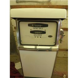 "GAS PUMP (WAYNE) *MODEL 420B* (52"" TALL) *PLEASE NOTE: BIDS WILL START AT $250.00 AND INCRESE AT INC"