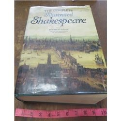 BOOK (THE COMPLETE SHAKESPEARE) *1989* (BY HOWARD STAUNTON) *ILLUSTRATED BY SIR JOHN GILBERT*