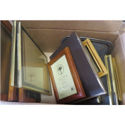 BOX OF PICTURE FRAMES (VARIOUS SIZES)