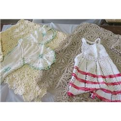 LOT OF 2 LARGE TABLE CLOTHS, CHILD'S APRON, AND 2 DOILIES