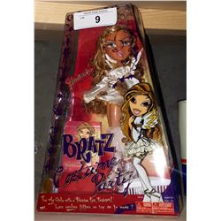 BRATZ COSTUME PARTY DOLL N.O.S.