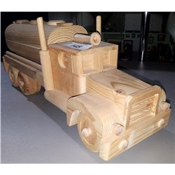 CUSTOM WOOD TANKER TRUCK MODEL
