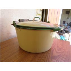 COOK POT WITH ROCKS (VINTAGE) *WITH LID* (CREAM WITH GREEN TRIM)