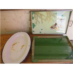 """LOT OF 2 SERVING TRAYS AND SERVING PLATTER (VINTAGE) *BUTTERFLY DESIGN 19"""" X 12""""* (GREEN AND WICKER"""