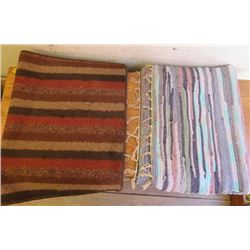 LOT OF 2 AREA RUGS ( 2' X 3' APPROX)