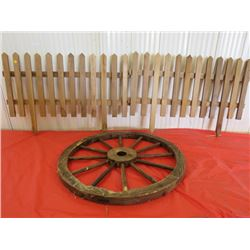 "LOT OF YARD ITEMS (WHEEL, DIAMETER 27.5"") *2 X PICKET FENCES, 34"" X 18""*"