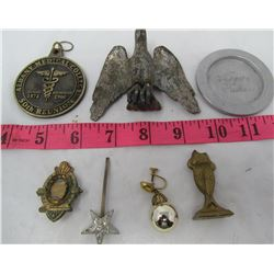 LOT OF MISC ITEMS (TOKENS, BADGES, BRASS, ETC)
