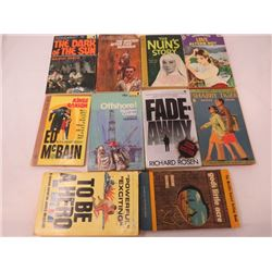 LOT OF PAPERBACK BOOKS
