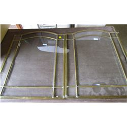 LOT OF 2 DOORS (BRASS AND GLASS)